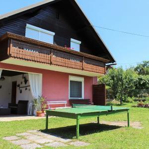 Hotel Pictures: Bernadette 3, Eberndorf