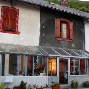 Hotel Pictures: Le Crey, La Motte-d'Aveillans