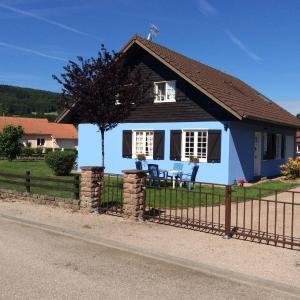 Hotel Pictures: Chalet Bleu, Granges-sur-Vologne