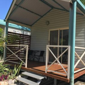Fotos de l'hotel: Kingfisher Caravan Park, Tin Can Bay