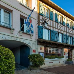 Hotel Pictures: Hôtel La Licorne & Spa, Lyons-la-Forêt