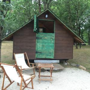 Hotel Pictures: Camping Vila de Sarria, Sarria