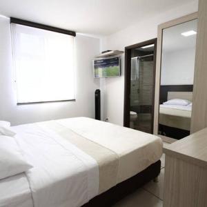 Hotel Pictures: 22-12, Pereira