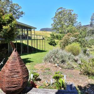Hotel Pictures: Country Retreat With Views of escarpment, Kangaroo Valley