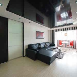 Hotel Pictures: PaulMarie Apartments on Zaslonova 4, Soligorsk