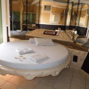 Hotel Pictures: Fenix Motel(Only Adults) - Garça, Garça