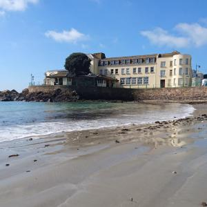 Hotel Pictures: Fort D'auvergne Hotel, Saint Helier Jersey