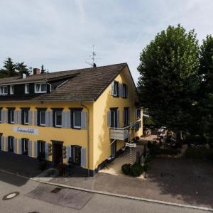Hotelbilleder: Landgasthof Erdmannshöhle, Hasel