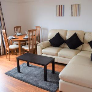 Hotel Pictures: Kelpies Serviced Apartments- McCreadie, Grangemouth