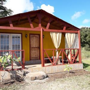 Hotel Pictures: Cabana Monette, Hanga Roa