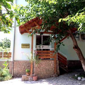 Foto Hotel: Green Stone B&B, Yeghegnadzor