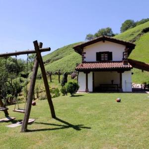 Hotel Pictures: Casa Rural Borda-Berri, Etxalar