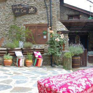 Hotel Pictures: La Llar-Lo Paller del Coc, Surp