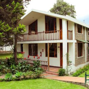 Hotel Pictures: Hostería Pukará, Hacienda Monjas