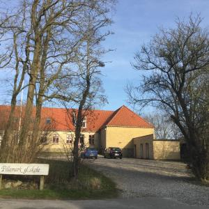 Hotel Pictures: Pillemark gammel skole B&B, Pillemark