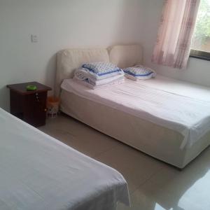 Hotel Pictures: Jixian Leyannian Farm Stay, Jixian