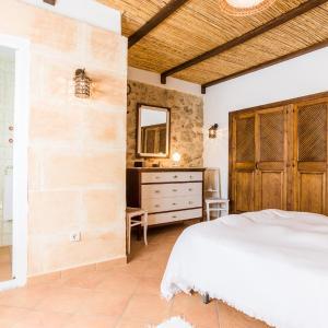 Hotel Pictures: Ca na Tranquila, Caimari