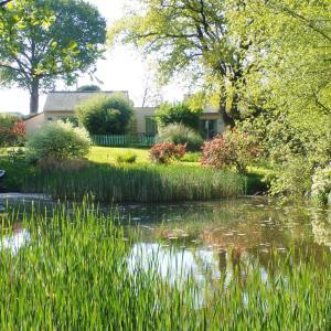 Hotel Pictures: Au Jardin d'Eau, Missillac