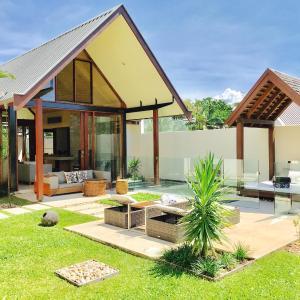 Hotel Pictures: Pavilion Style Luxury - Villa 38 Niramaya, Port Douglas