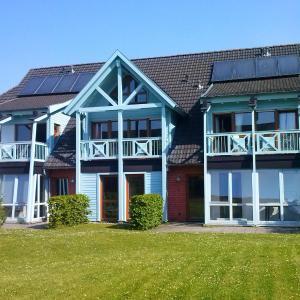 Hotel Pictures: Ferienwohnung P bei Sellin mit Südbalkon, Seedorf