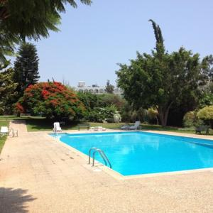 Hotel Pictures: Amathusia Beach Apartment, Limassol