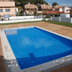 Hotel Pictures: Hotel Masia Mas Trader, Cubelles
