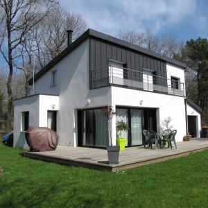 Hotel Pictures: La maison pres du bois, Monterblanc