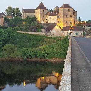 Hotel Pictures: La Terrasse - Les Collectionneurs, Meyronne