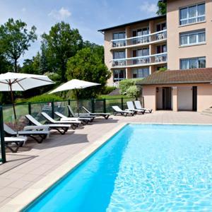Hotel Pictures: Hôtel du Lac, Lacapelle-Viescamp