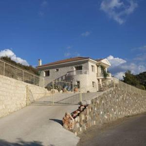 Hotel Pictures: Villa Melyia, Kato Pyrgos