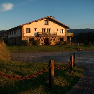 Hotel Pictures: Casa Peluaga, Oiartzun