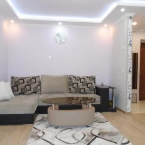 Hotel Pictures: Apartment ANI, Vagharshapat