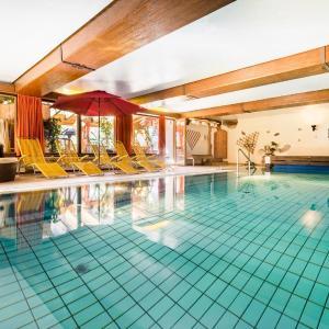 Hotelbilleder: Land-gut-Hotel Landgasthof Zum Schildhauer, Halfing