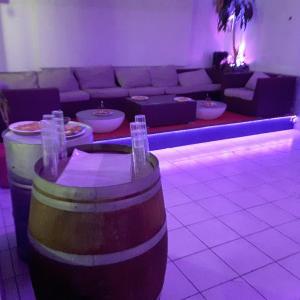 Hotel Pictures: Hotel Restaurant Calypso, Fos-sur-Mer