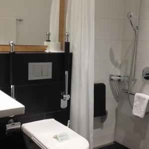 Hotel Pictures: Modern Rooms by Täscherhof, Täsch