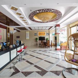 Hotelbilder: Jiuhuashan Four Seasons Garden Hotel, Qingyang