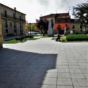 Hotel Pictures: Apartamentos San Francisco 58, Santo Domingo de la Calzada