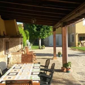Фотографии отеля: Villa Chalet Puerta Del Hocino, Villar De Olalla