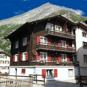 Hotel Pictures: Apartment Enzian, Saas-Almagell