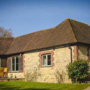 Hotel Pictures: Benbow Cottages, Midhurst