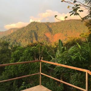Hotel Pictures: Blue Heaven Rendezvous, Tumbas