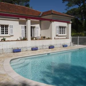 Hotel Pictures: Luckey Homes - Av. Saint Jean, Cannes La Bocca