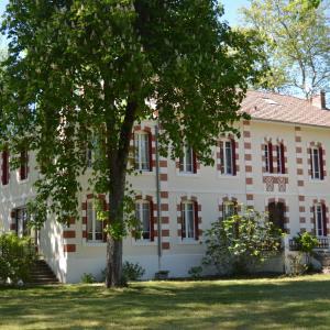 Hotel Pictures: Le Domaine de Lugazaut, Vielle-Soubiran