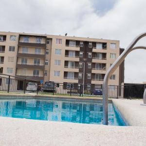 Hotel Pictures: Condominio Mistral V, La Playa