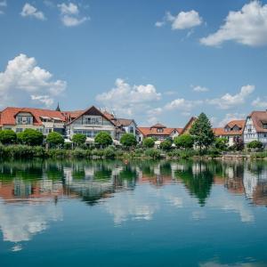 Hotelbilleder: Seehotel Niedernberg - Das Dorf am See, Niedernberg