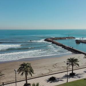 Hotel Pictures: Mirant el Mar, Port Saplaya