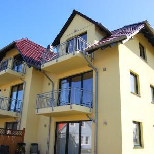 Hotel Pictures: Ferienwohnung Wiek - Villa Boddenblick, Wiek auf Rügen