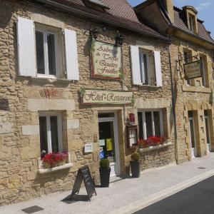 Hotel Pictures: Le Trèfle à Quatre Feuilles, Siorac-en-Périgord