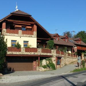 Hotel Pictures: Ubytování Steak-Hredle, Hředle