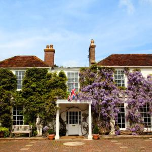 Hotel Pictures: Powdermills Country House Hotel, Battle